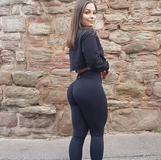 Peachee-Collection-high-waisted-gym-leggings-Ebony